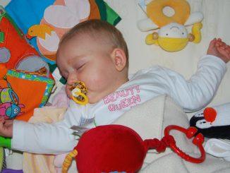 Accessoires für das Babybett