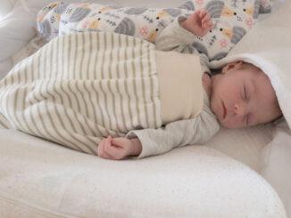 Strampelsack Baby
